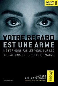 Regard Arme Amnesty International publicité 2014