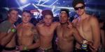 5 hommes torse nu