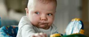 grimace bébé